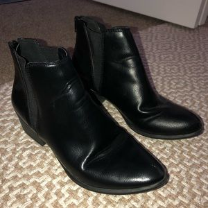 Black leather pointed toe ankle bootie